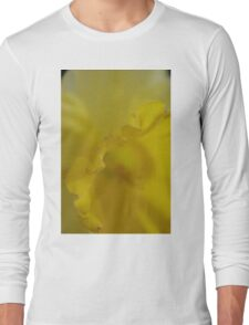 Daffodil Petal Detail Macro Long Sleeve T-Shirt