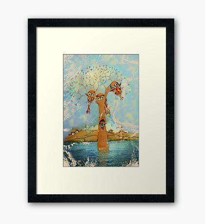 tree of love owls Framed Print