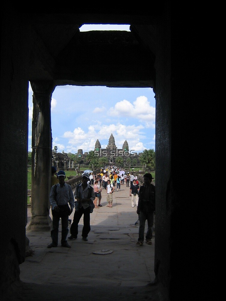 Portal view of Angkor Wat by machka