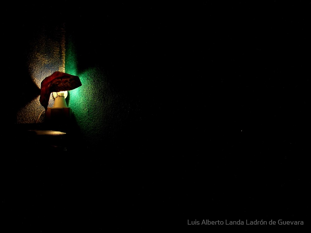 Turn off the light by Luis Alberto Landa Ladrón de Guevara