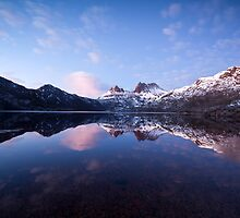 A New Day Dawns at Cradle Mountain by tinnieopener