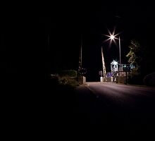 Lone Train crossing by tamphoto