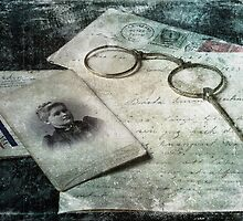 Faded Memories by Carina514