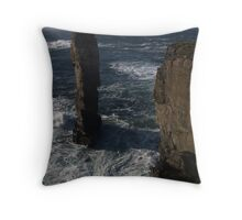 Yesnaby Castle, Orkney Throw Pillow
