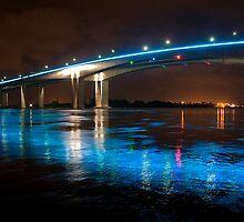 As the river peaked - Brisbane River, Gateway Bridge by Jaxybelle