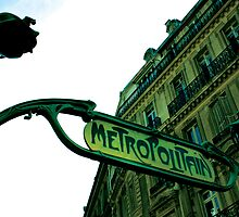 Paris Metro by Amy Lewis
