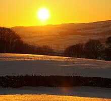 Sun setting over the Ribble Valley by SteveFinch