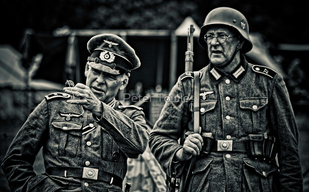 Officer and soldier by Peter Towle
