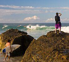 Surfing photographer at work by flexigav