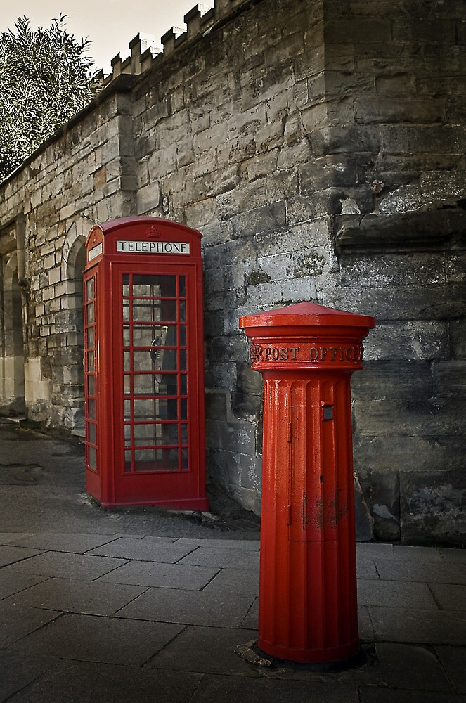 Two Red Classics by Gethin Thomas