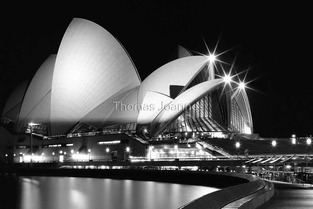 Sydney Opera House at night by Thomas Joannes