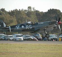 Spitfire Landing @ Williamtown Airshow 2010 by muz2142