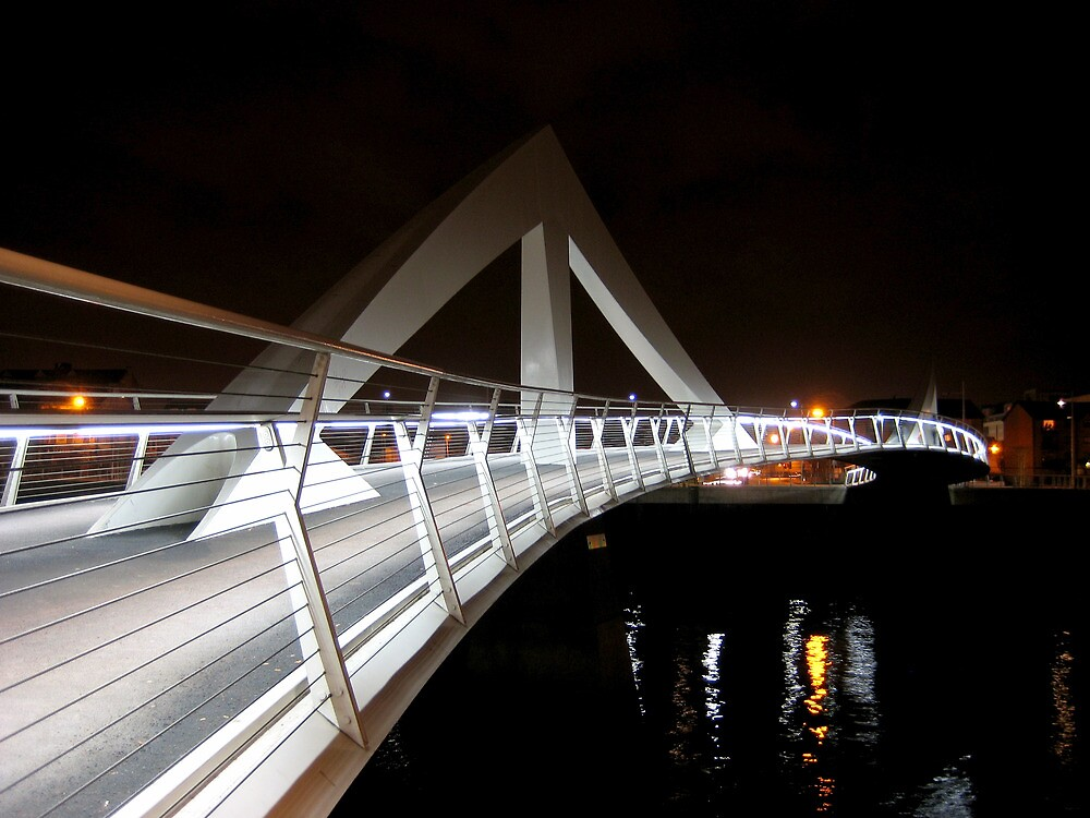 Tradeston Footbridge by RSMphotography