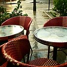 Les chaises sous la pluie by Virginia Kelser Jones