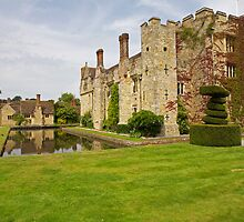 Hever castle and cottages by Keith Larby