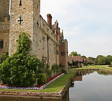 Hever Castle from the sides. by Keith Larby