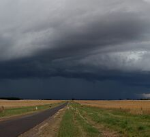 Mortlake Thunderstorm Complex - February 2011 by Stephen Titow