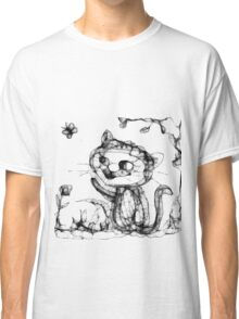 kitty playing wid butterfly Classic T-Shirt