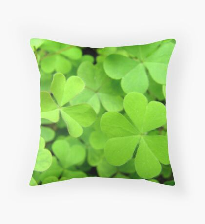 Heart shaped leaves Throw Pillow