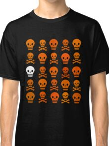 Halloween Pattern V (Orange + white on transparent) Classic T-Shirt