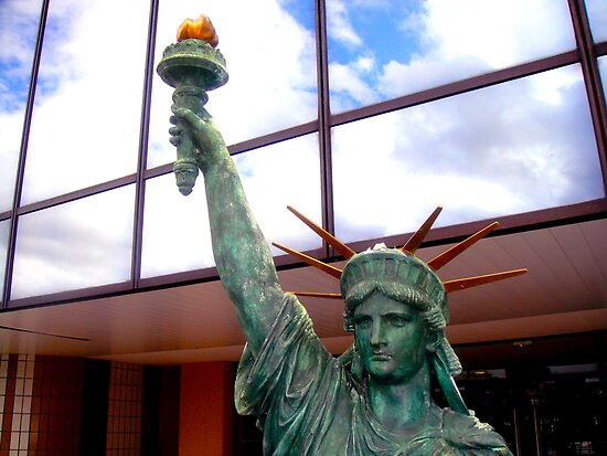 Statue of Liberty Replica - Paris by CalumCJL