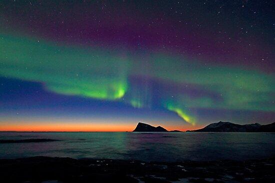 Aurora Borealis & sunset by Frank Olsen