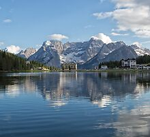 Lake Misurina  by Yair Karelic