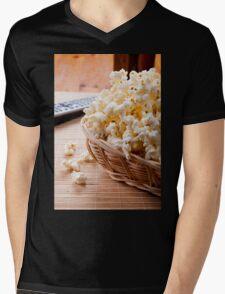 basket full of many crunchy popcorn Mens V-Neck T-Shirt