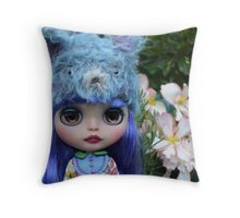 blythe doll Throw Pillow
