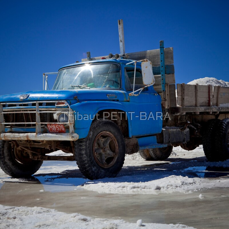 truck jeep 4x4 collecting salt in the salar de uyuni. Black Bedroom Furniture Sets. Home Design Ideas