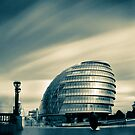 London City Hall by Bartosz Chajek