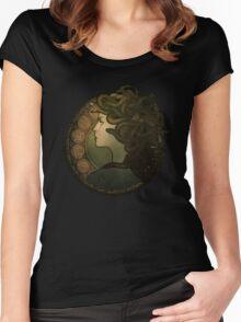 Medusa Nouveau Women's Fitted Scoop T-Shirt