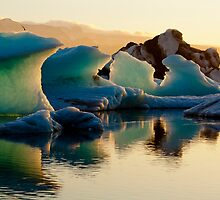 Twilight at Jökulsárlón by Ed Lark