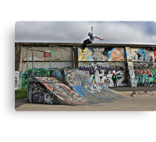 Tuck Air At Royal Canvas Print