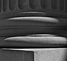 Columnar 2 by Linda Bianic