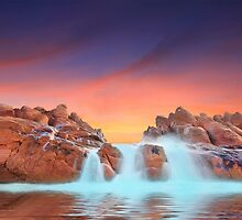 Spa Pool, Wyadup rocks, Yallingup. Western Australia by Marc Russo