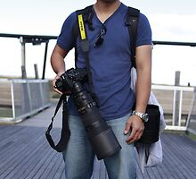 Portrait of a paparazzi by Nuttee Ratanapiseth