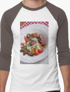 Foie du porc avec chou-rave et avec une sauce de mousse des feuilles de radis  Men's Baseball ¾ T-Shirt