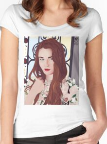 Sophie Turner Women's Fitted Scoop T-Shirt