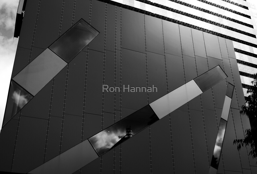 Brisbane Square Library by Ron Hannah