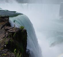Horseshoe Falls by Wheelssky