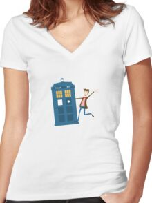 Doctor and The Tardis Women's Fitted V-Neck T-Shirt