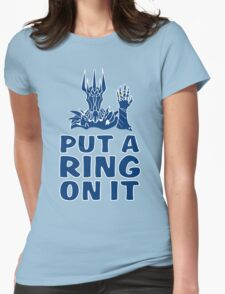 Lord of the Rings - Sauron - PUT A RING ON IT T-Shirt