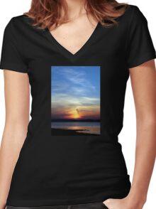 Ballyholme Sundown Women's Fitted V-Neck T-Shirt