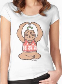 Christmas Kiss Sloth with Mistletoe Women's Fitted Scoop T-Shirt