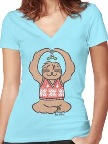 Christmas Kiss Sloth with Mistletoe Women's Fitted V-Neck T-Shirt