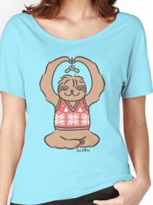 Christmas Kiss Sloth with Mistletoe Women's Relaxed Fit T-Shirt