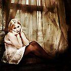 Sad Lisa by annacuypers