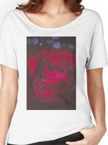 Wet Red Rose Grunge Macro Women's Relaxed Fit T-Shirt