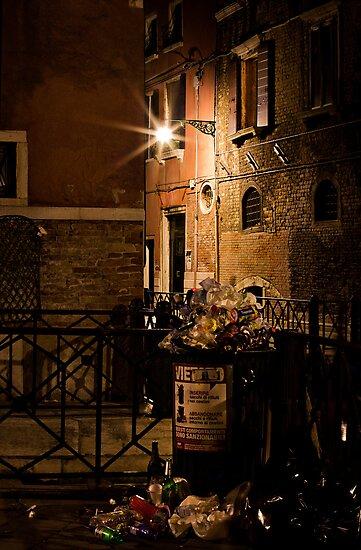 Gathering Place- Venice Trash by vividpeach